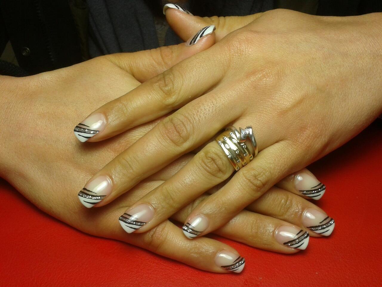 gel french nail art | nails&beautydilaura | Pinterest | Nageldesign ...