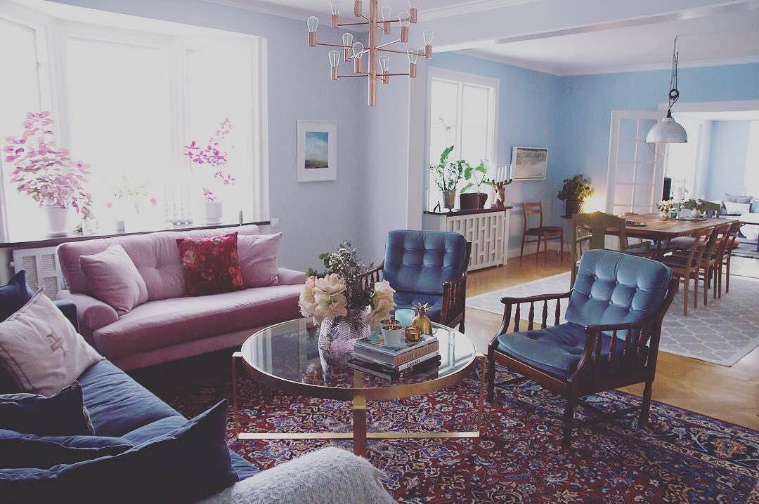Måndagsinspiration! Det här snygga hemmet tillhör  hannahwidell. Hanna har  målat vardagsrum och matsal i de populära kulörerna Silverpil 732 och  Himmelsblå ... c3d3bf77263e9