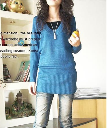 V-collar Mosaic Gold Long Knitting Sweater $22.64 on @ClozetteCo