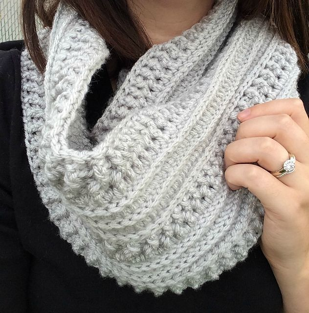 The Ribs and Ridges Crochet Scarf pattern by Kali Dahle | Bricolaje ...