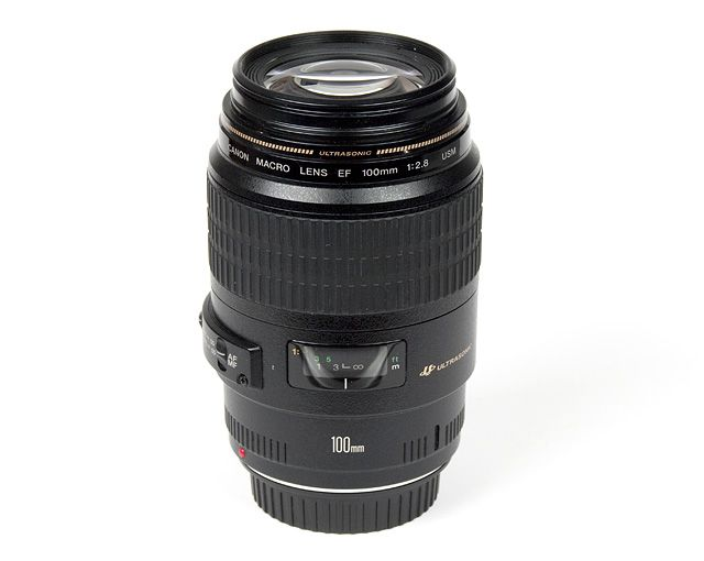 Canon EF 100mm f/2.8 USM Macro prime lens with IF (internal focus)