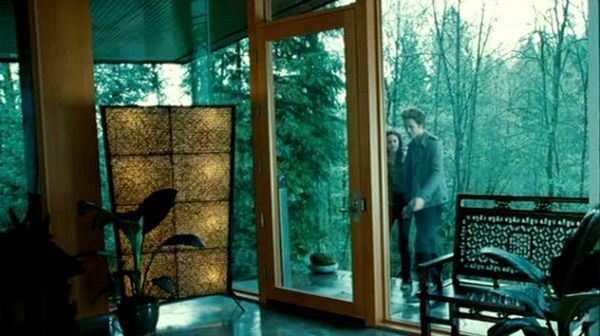 Twilight Bella Swan S House Is For Sale In Oregon Hooked On Houses Twilight House Cullen House Twilight Twilight