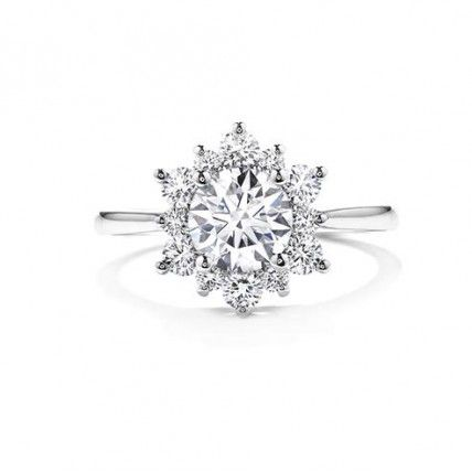 da8f392401b26 Snowflake Shaped Engagement Ring. I'd buy it for myself! | Ring ...