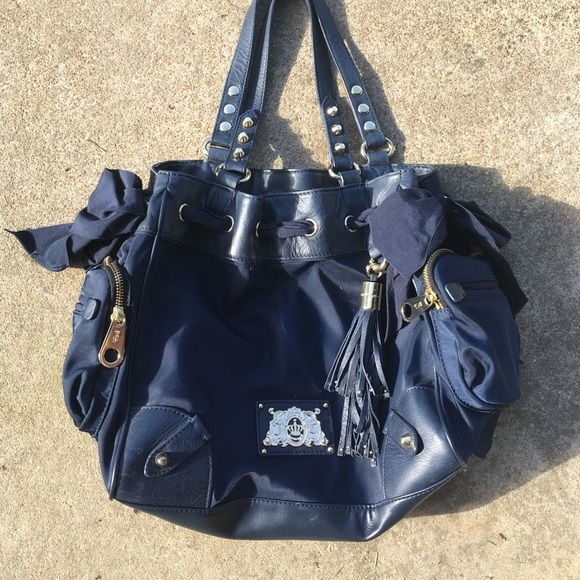 Juicy Couture handbag Juicy Couture Handbag in navy blue with gold hardware. Used, but in very nice condition. Juicy Couture Bags Shoulder Bags