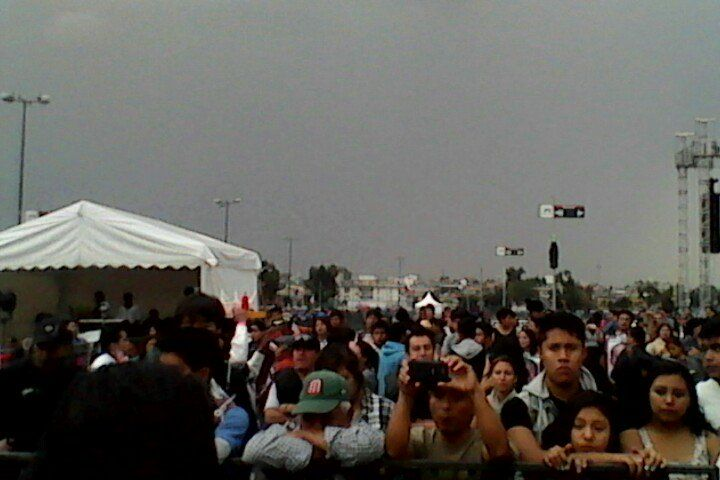 "Raymundo Lopeztiana on Twitter: ""XXIII Accion Global por Ayotzinapa,  ""Voces por los 43 https://t.co/620zP7uynm"""