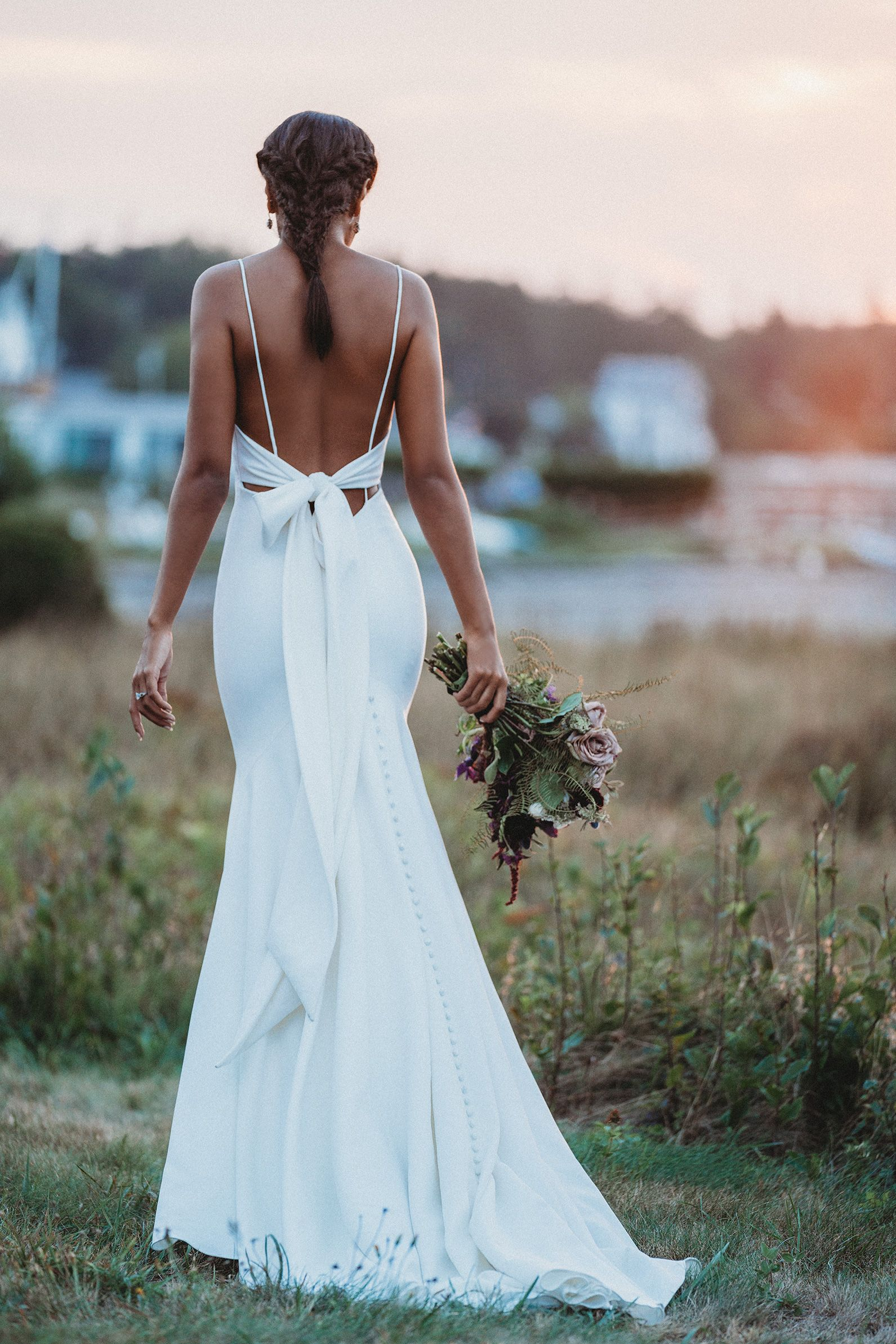 45+ Wedding dress with big bow on back info