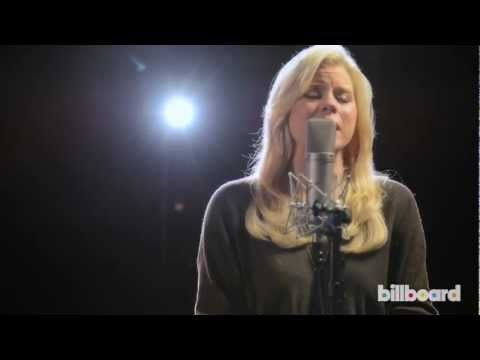 Megan Hilty - Be a Man (Live Studio Session) I'm OBESSESED with this!