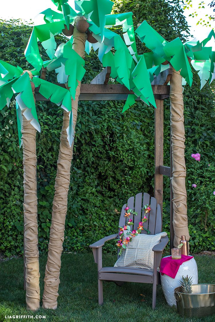 Diy palm tree party decor palm tree decorations luau for Homemade tree decorations