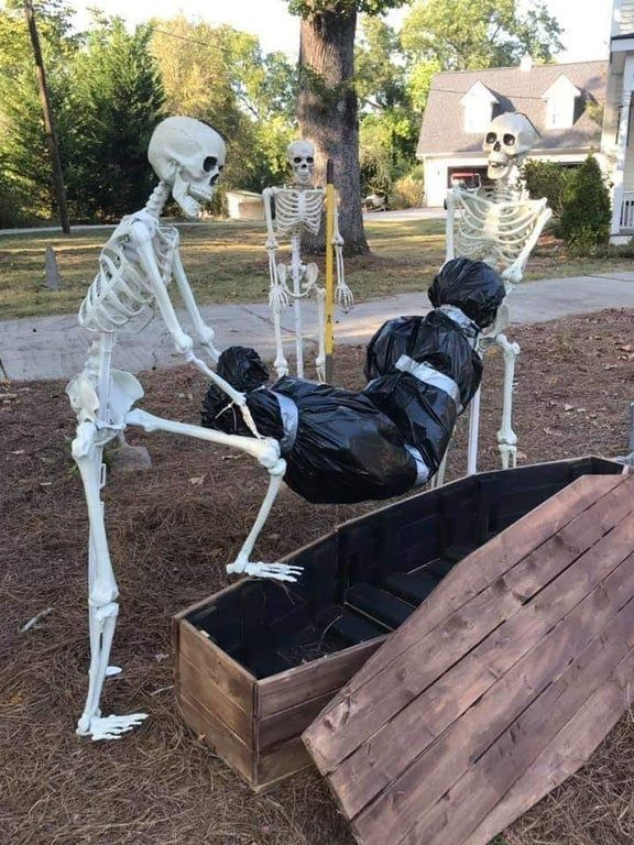 How the tables have turned. funny Outdoor halloween