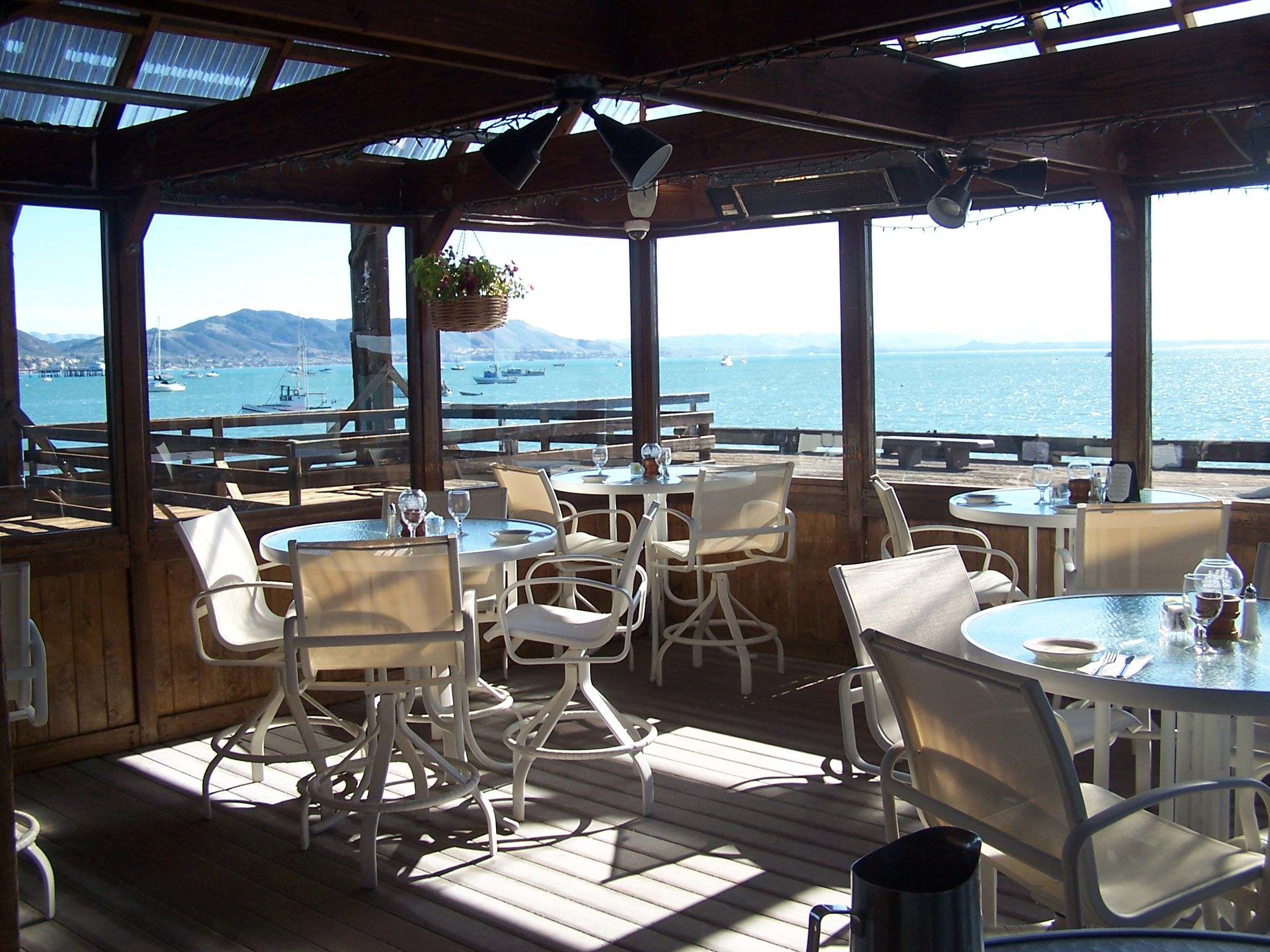 Back Patio On The Harford Pier At The Olde Port Inn Restaurant Pismo Beach Restaurants Dream Weekend Coast Restaurant