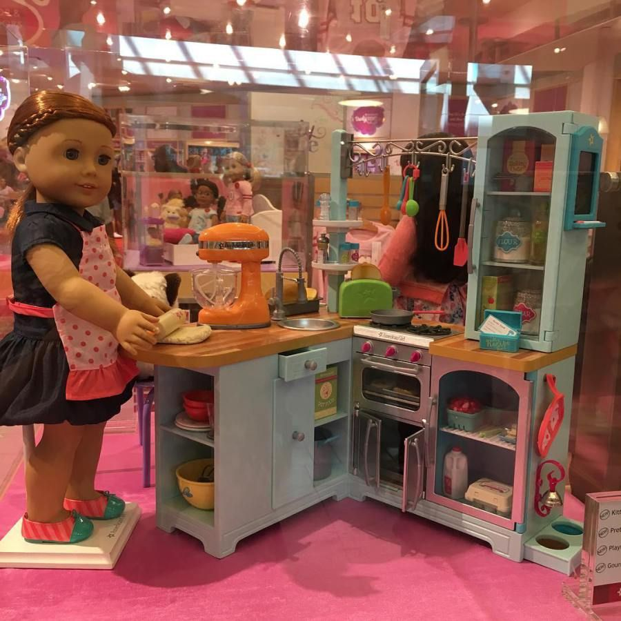 The gourmet kitchen set is just too cute for Girls kitchen set