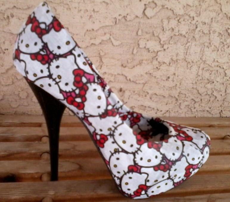 eefcc68af I love these Hello Kitty Heels! $79.99, via Etsy. | Hello Kitteh ...