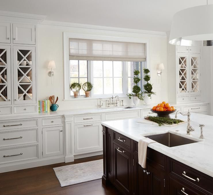 Best Elegant Kitchen Features White Shaker Cabinets Paired With 400 x 300