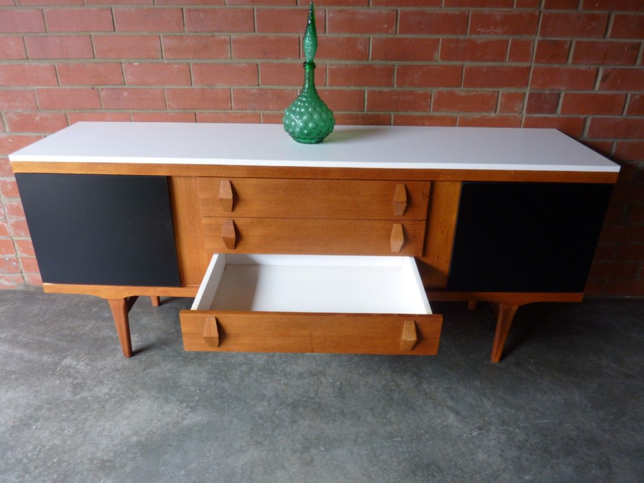 Retro Sideboard Renovation.