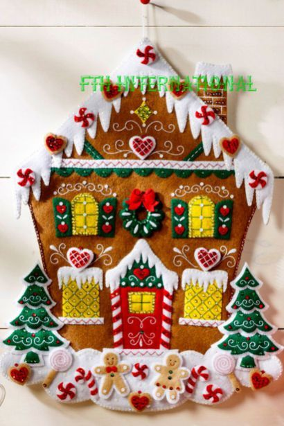 Totally Adorable Christmas Gingerbread House Decoration Ideas34