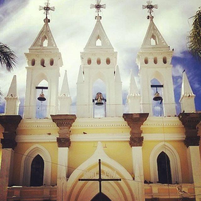 Hasta se ve bien... #tonala #centro #arquitectura #santosantiago