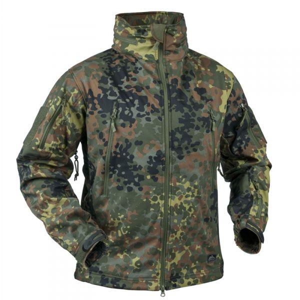 Die Helikon Gunfighter Jacke Ist Eine Leichte Winddichte Und Wasserabweisende Allwetterjacke Auch Fur Die Kalteren Tage Flecktarn Jacken Bekleidung
