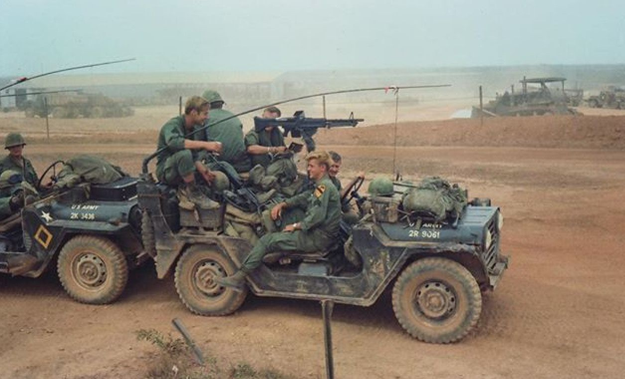 101 Us Cav In Vietnam Vietnam War Vietnam Vietnam War Photos