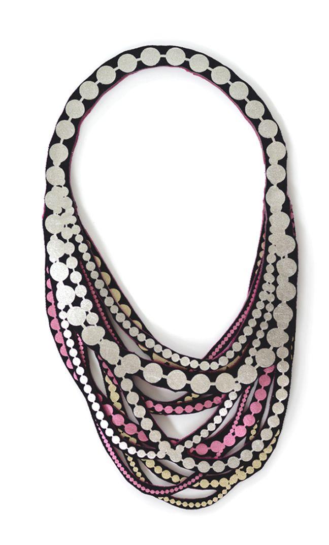 PearlPetite by Uli #pearlnecklace #textilejewellery www.uli.nu
