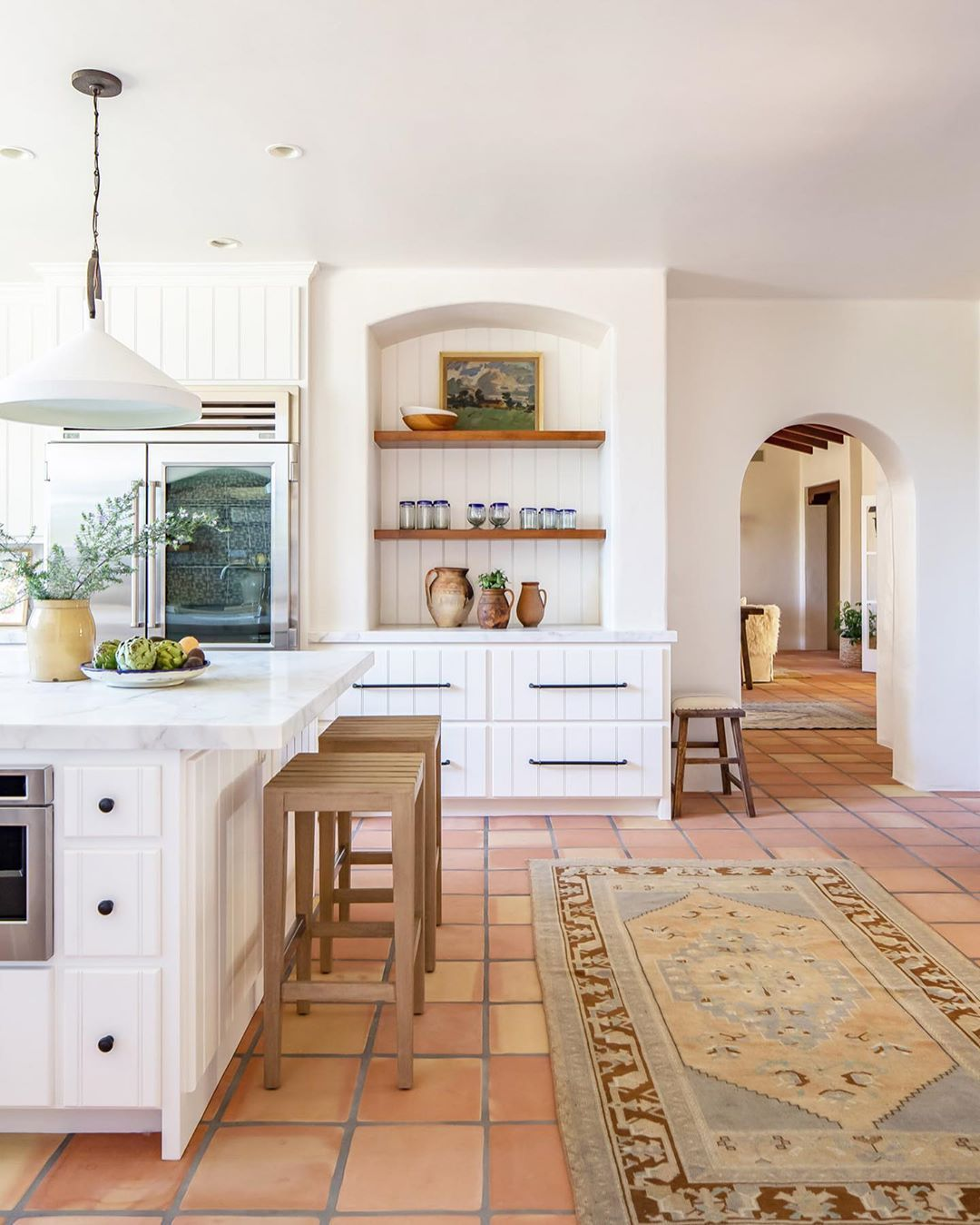 Rue On Instagram Step Inside This Early Californian Style Home Designed By Intimatelivinginteriors In 2020 Spanish Style Kitchen Spanish Style Home Spanish Bungalow