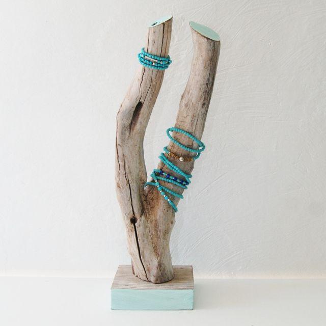 présentoir à bijoux en bois flotté - Recherche Google | Présentoirs ...