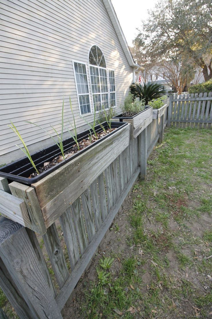 How to used old wood fence posts to build DIY Hanging Fence Planters Charlesto How to used old wood fence posts to build DIY Hanging Fence Planters Charlesto