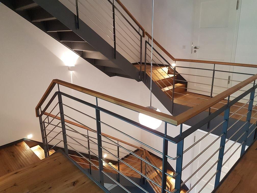 Wangentreppen In Einem Umgebauten Bauernhof In Hattingen 1x 1 Laufige 2x 1 4 Gewendelte Wangentreppe 1 Treppengelander Edelstahl Innen Treppe Gelander Treppe