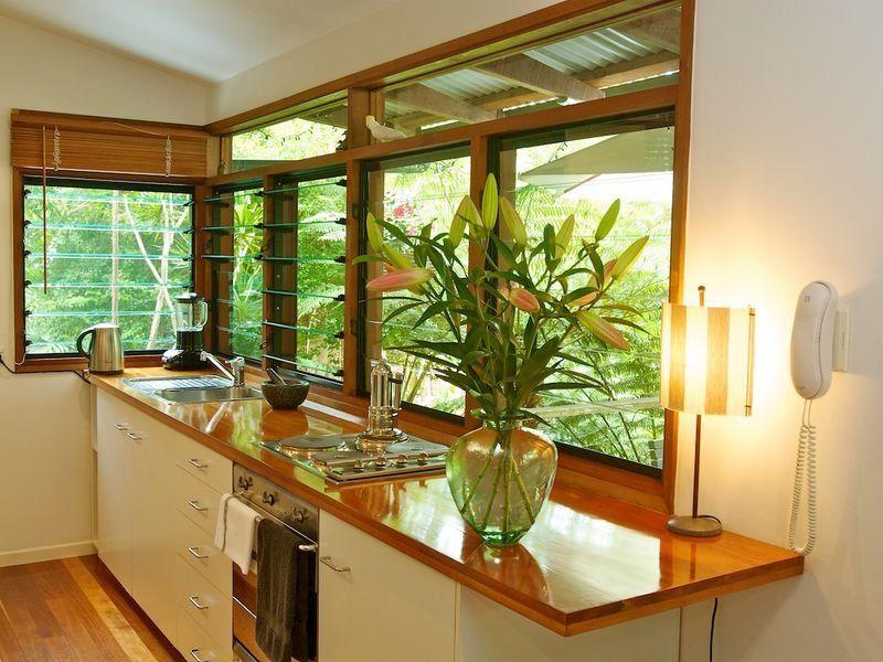 20120710_arq10314_janelas práticas para cozinha via: www.desiretoinspire.net/blog/2012/6/28/still-stalking.html#