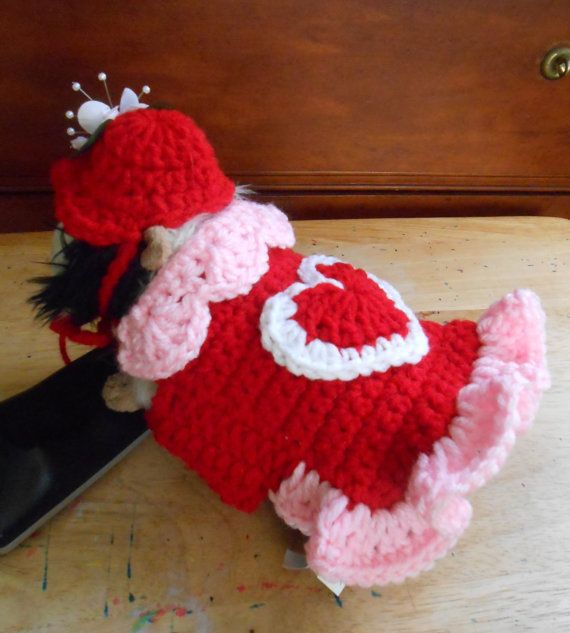 Crocheted Valentine Dress for Guinea Pig with Hat   by Fancihorse