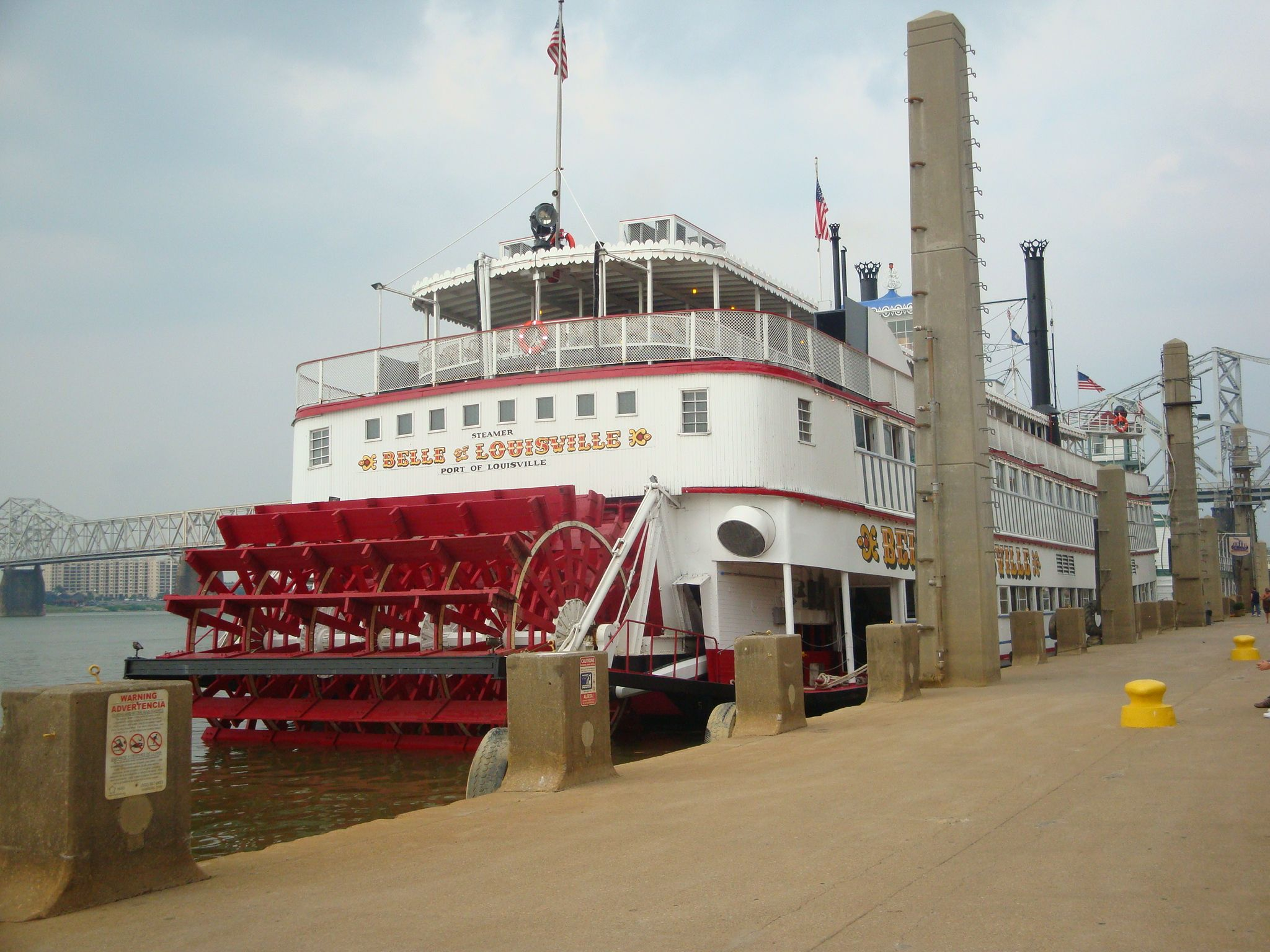 The Grand Belle Still Making Runs Up And Down The Ohio River A Historic Showpiece Ohio River Ohio Historical