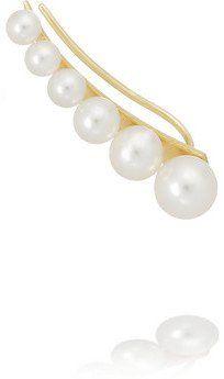Pin for Later: Schon mal was von einem Ohrreif gehört? Sophie Bille Brahe Ohrreif Sophie Bille Brahe Ohrreif aus 14 Karat Gold mit Süßwasserperlen (1.800,00 €)