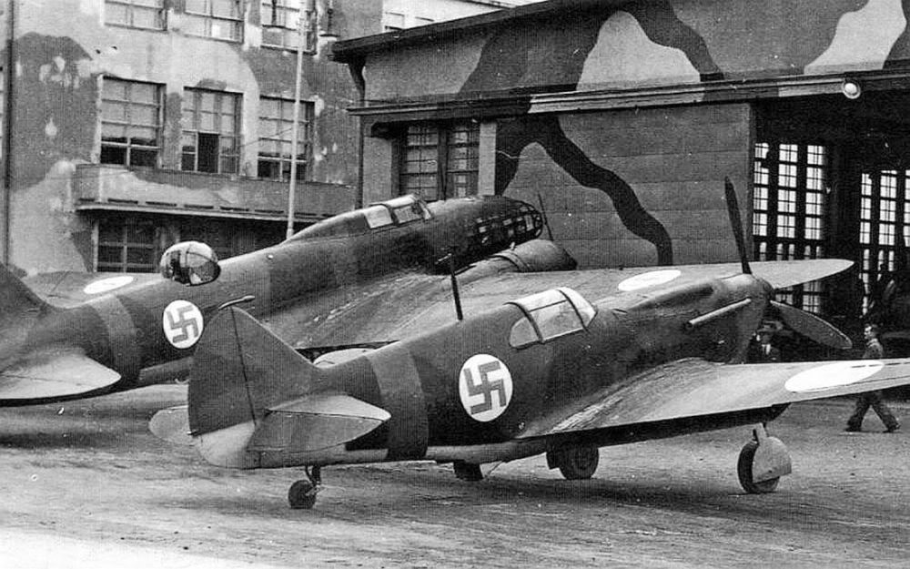 Russian planes captured by the Finns and repainted in Finnish markings