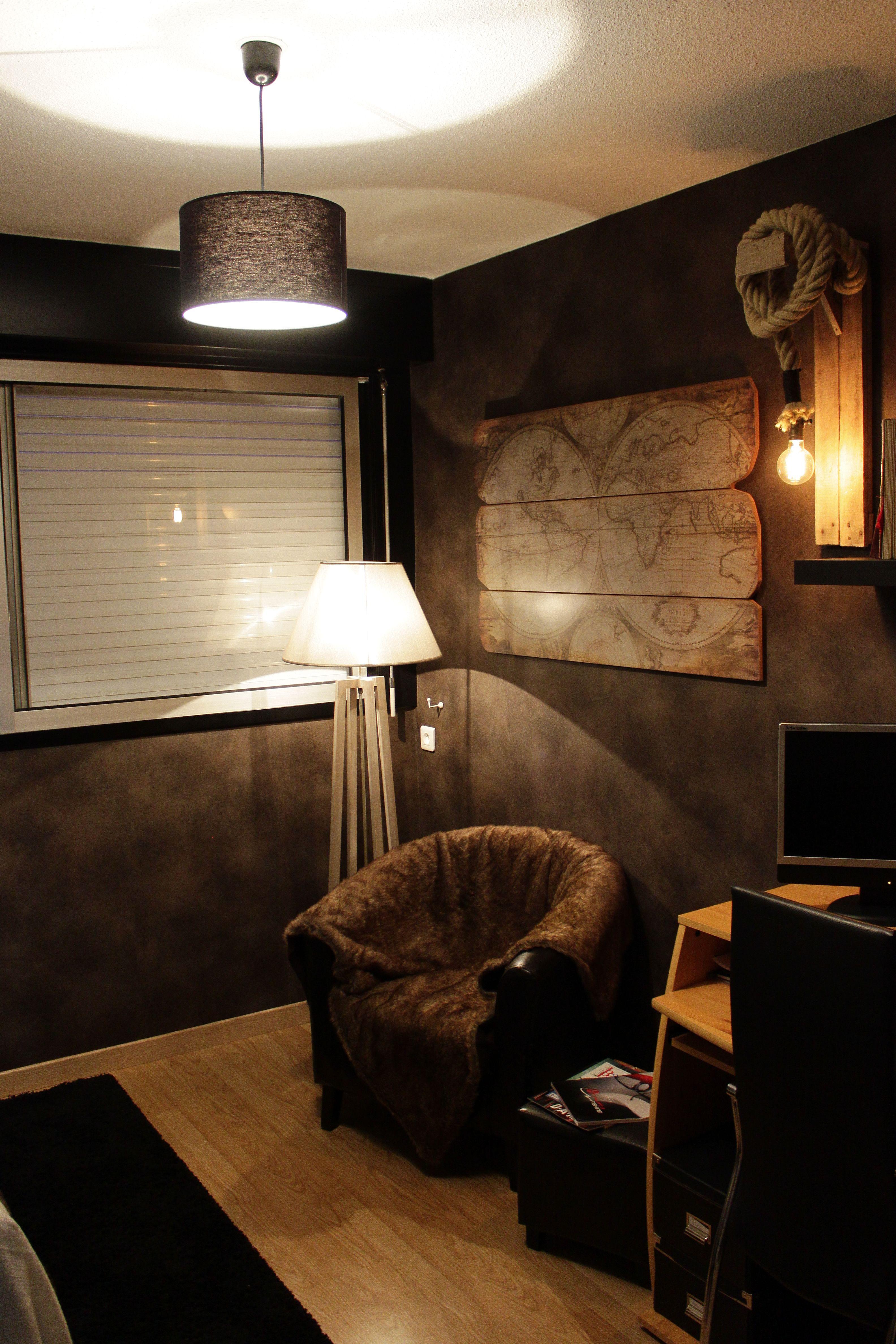 décoration bureau - chambre d'amis dans les tons marrons avec esprit