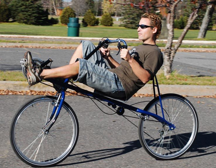 The Highroller Short Wheelbase Recumbent Bike Is An Easy To Build High Seat Short Wheelbase Bike That Is Perfect For City Rid Biking Diy Recumbent Bicycle Bike