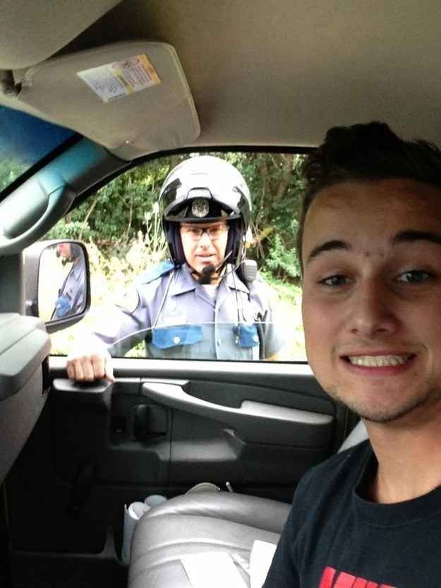 The Most Perfectly Timed Selfies Ever Taken Selfies - 33 of the most perfectly timed photos ever taken