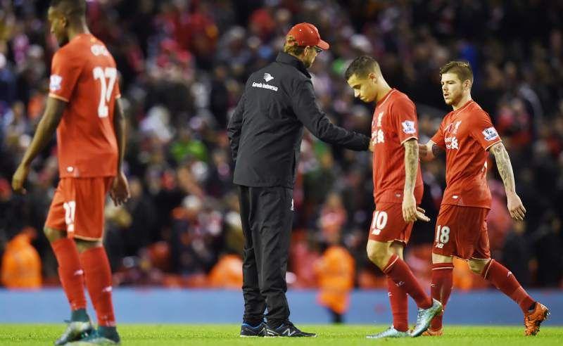 El Liverpool cae ante el Crystal Palace, primer revés con Jurgen Klopp - El Crystal Palace puso fin al buen momento del Liverpool al ganar en Anfield por 1-2, resultado que supone el primer revés que sufre el equipo 'red' ...