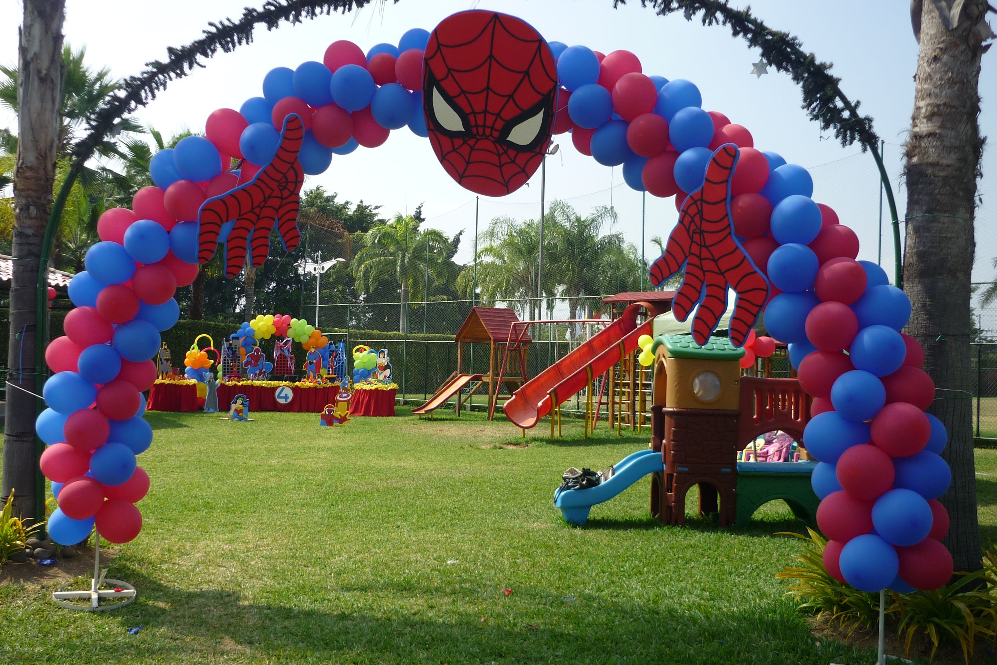 Decoracion con globos de los superheroes ideas fiestas for Decoracion con globos