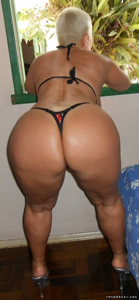 Thick butt amazon milf