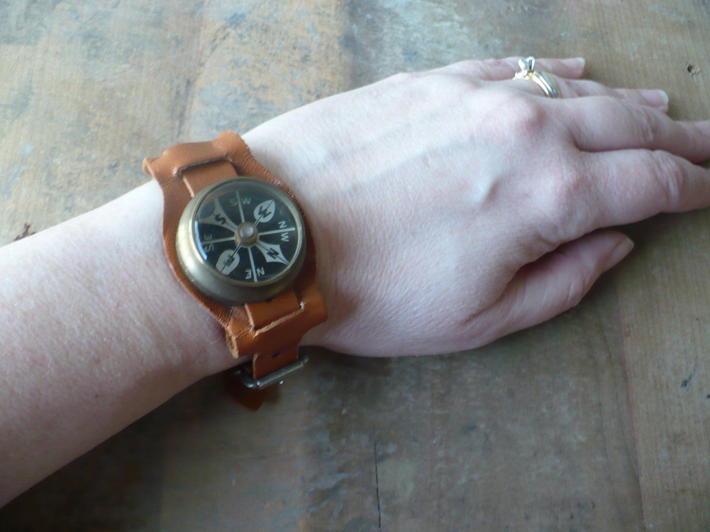Vintage Marbles Gladstone Wrist Compass Vintage Leather Strap Compass Wrist Band Theearlybirdfinds In 2020 Vintage Leather Leather Straps Wrist