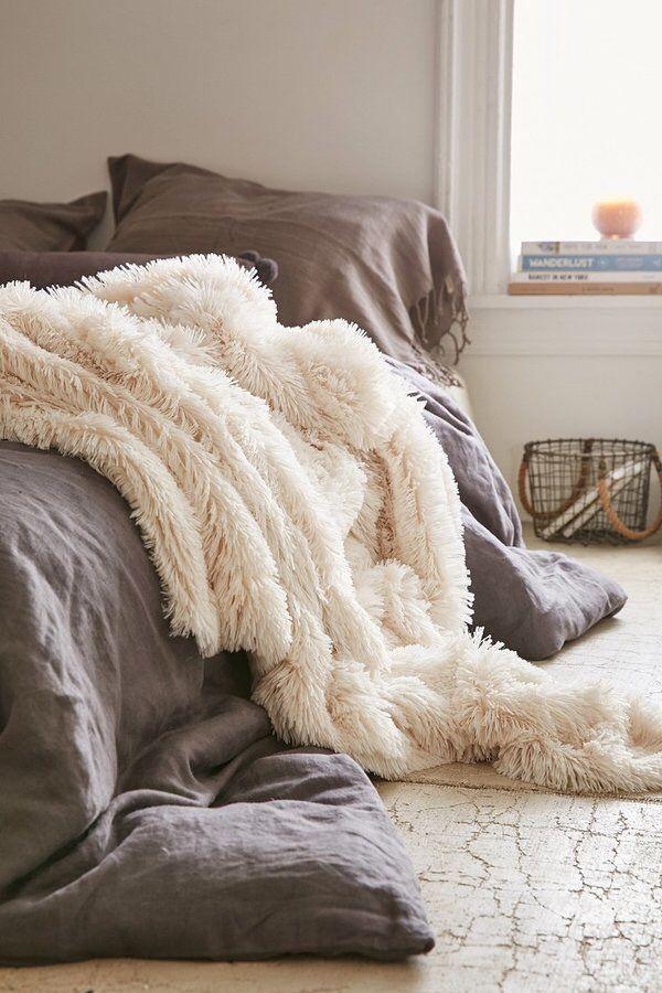 Faux fur blanket throw #cozy #bedroom #decor • • Affiliate ...