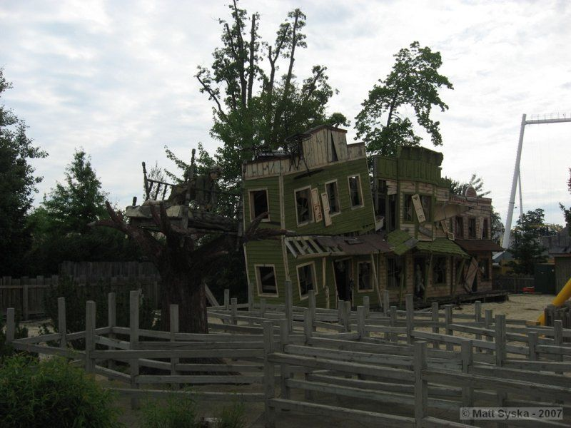Geauga Lake ruins, Aurora OH   This is sad! However, have a lot of