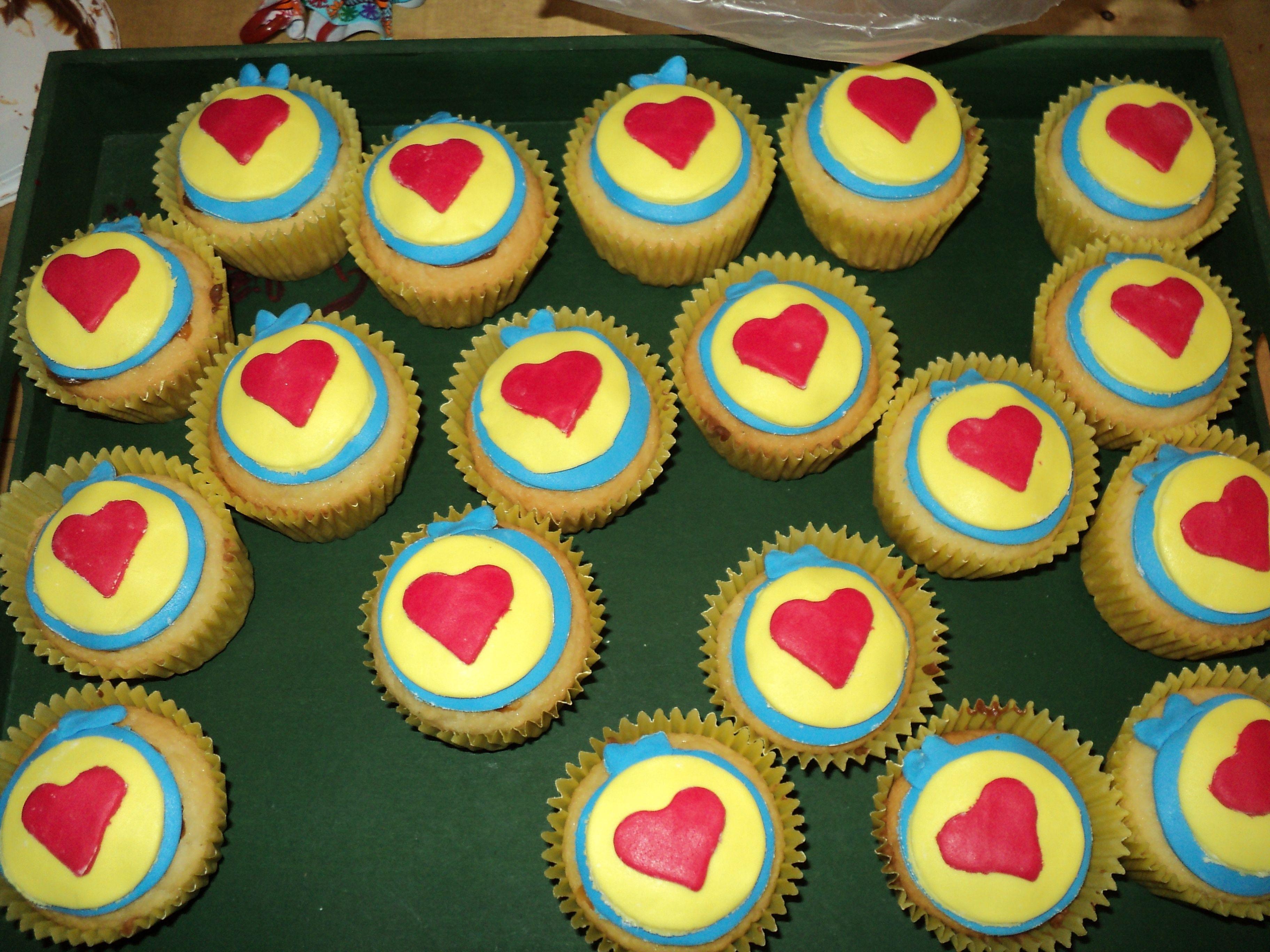 cupcakes con el logo de Plim Plim