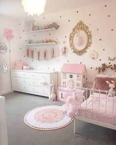 The Best in Girl's Bedroom Design and Decor Inspiration! #kidsdecoratingideas #girlbedroom #girlsbedroom #girlsbedroominspo #girlsbedroomdecor #girlsbedroomdesign #homedecor #kidsrooms #girlsrooms #girlsroom