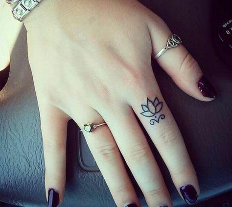 Tatuajes En La Mano Mujer Pequenos