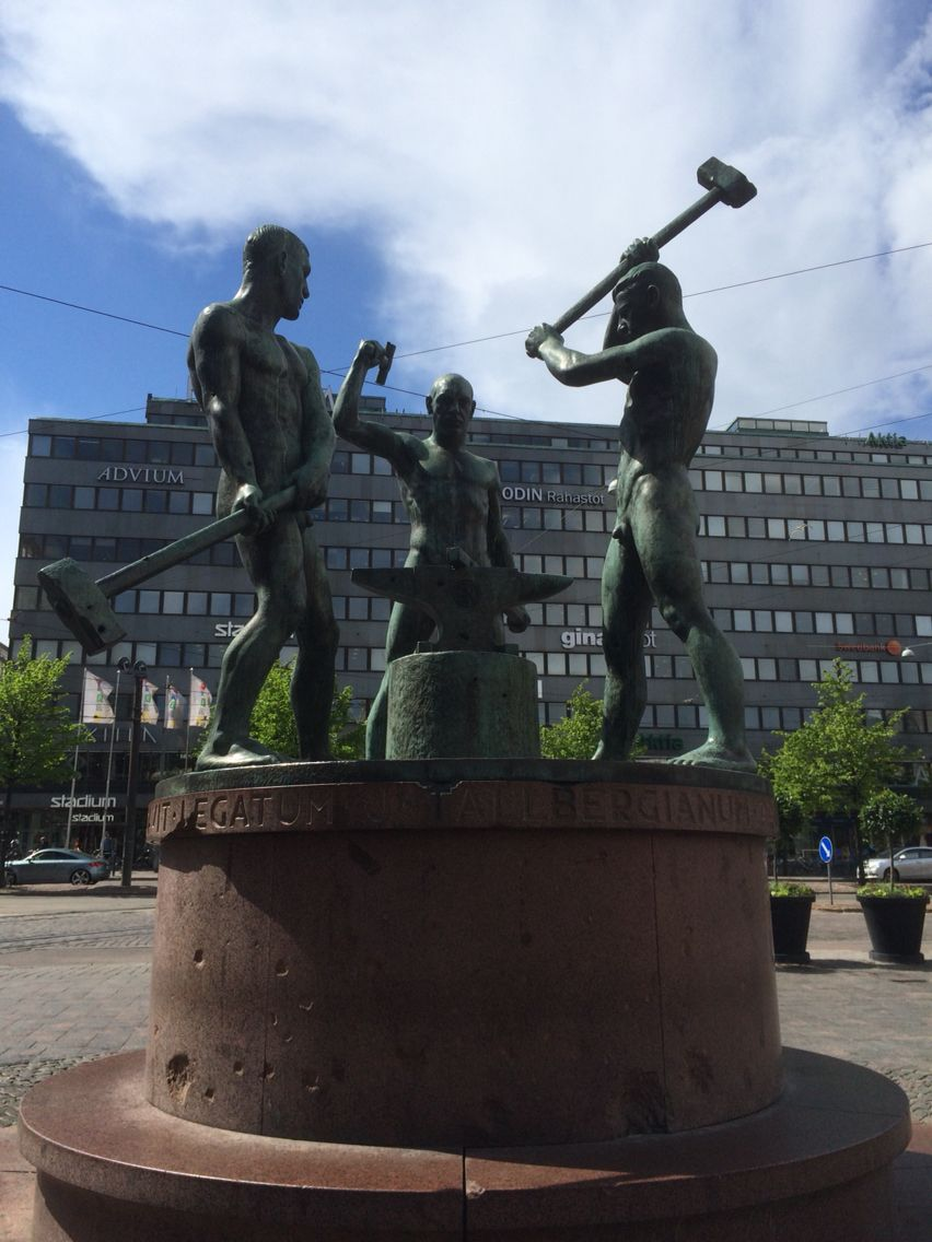 Three Smiths Statue, created by Felix Nylund in 1932, is situated in Three Smiths Square in Central Helsinki. #travel #finland #scandinavia #europe #helsinki #suomi #art #sculpture #nordic