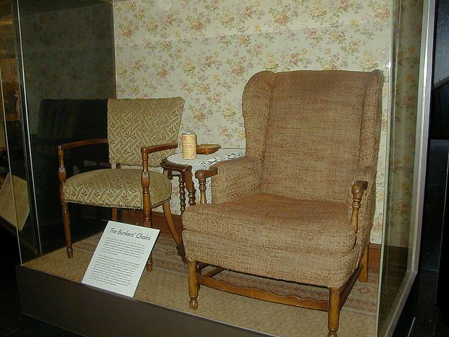 Archie And Edith Bunker S Chairs From All In The Family