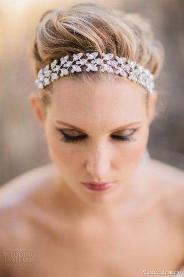 Raccolto sposa con coroncina Acconciature Velo 30fb4b3b0502