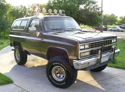 This Is So Clean And Nice Chevy Trucks Lifted Chevy Trucks Pickup Trucks