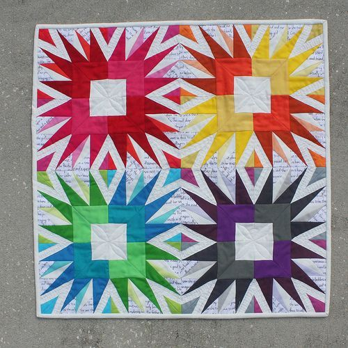 Miniature Quilt Patterns Paper Pieced : Showstopper mini quilt by Elizabeth Dackson Foundation Piecing Pinterest Mini quilts ...