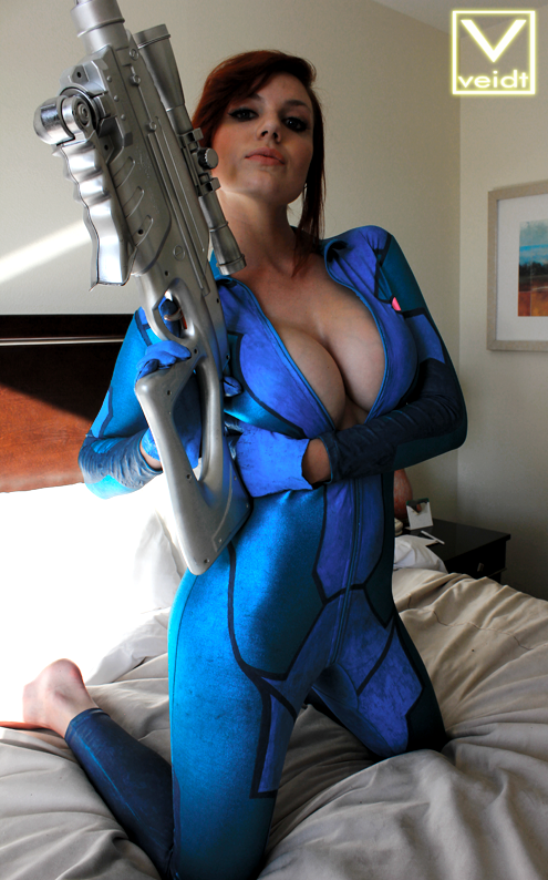 naked Samus cosplay